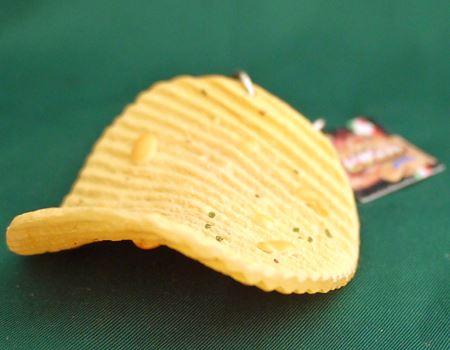 特有のギザギザした形と表面についたチーズがまたよくできています