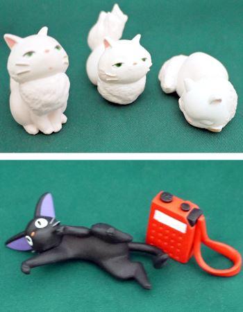 リリーに似た3匹の白い子猫たちと、ジジによく似た黒い子猫とキキの大事なラジオです