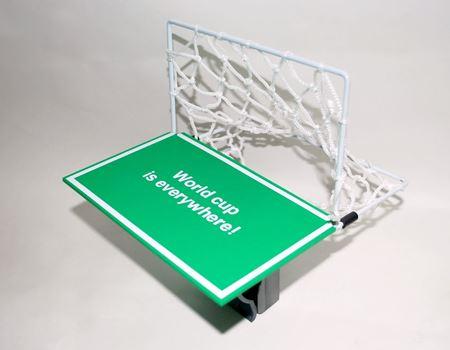 ゴールエリアとゴールの枠、それにネット。まさにサッカーゴールです