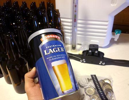 ひととおりそろったビールキットでビール作り