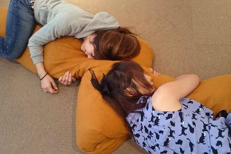 抱き枕を共有!