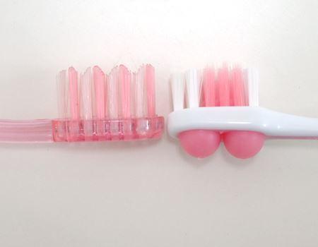 普通の歯ブラシとは見た目から明らかに違います!