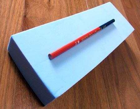 筆者が購入したのは吸水量が650mlのロングタイプで、大きさは縦260×横90×高さ35mm。650mlのワイドタイプもあり、こちらは縦180×横130×高さ35mm
