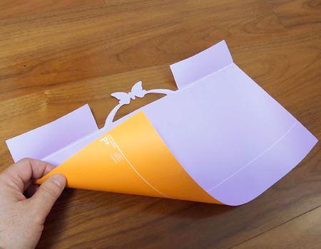 裏表は寒色と暖色の組み合わせで、好きなほうを使えます。筆者が購入したものは、オレンジとパープルの組み合わせ