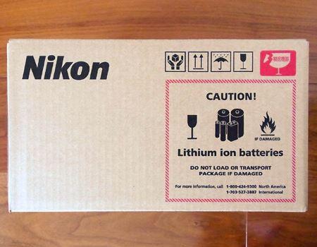 立派なダンボールに入ってしっかり梱包されて届きました。決してリチウムイオンバッテリーは入ってないと思うのですが…