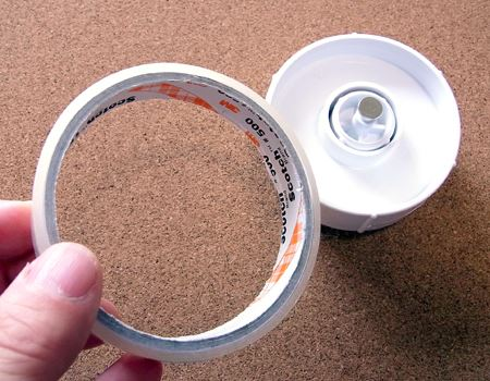 リール部分は、通常のテープカッターと変わりません