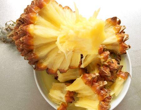 パイナップルなのにこんな食べ方ができるなんて、ビックリですよね
