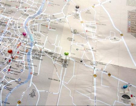 透明なので、こんなふうに地図上に貼っておくのもいいかも♪