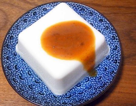 冷やっこは結構フィットします。これはありですね。ただし、「雲丹醤油」の味がストレートにきます。唐辛子やごま油などで少し味に変化をくわえるのもいいかも♪