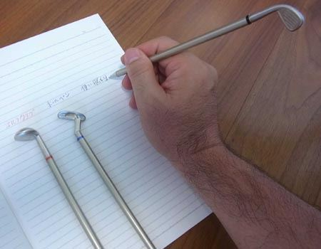 ただし、ボールペンとしての使い勝手にはやや問題がありました