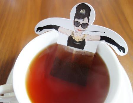 使ってみました。オードリーさんが紅茶のお風呂で優雅にゆらゆら