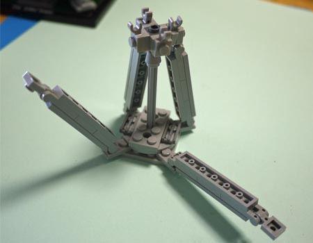 塔の上部は細長いパーツの組み合わせになっています