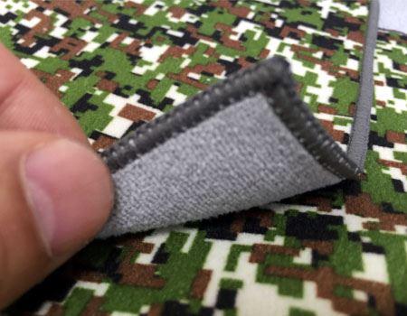 裏面と表面では繊維質が違います。これがくっつく秘密