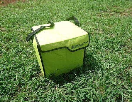 専用のショルダーバッグに入れれば持ち運びもラクチン