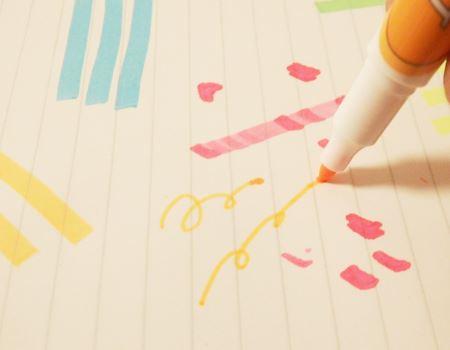 反対側の「細」は普通のペン先でしなりませんが、細くてキレイな線を引くことが可能です