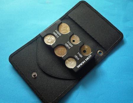 マジックテープで「コインホーム」をしっかり装着できます