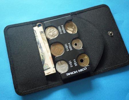 お札も入れられるのでこれだけで財布としても使えます