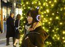 ぼっちが「光るネコ耳ヘッドホン」をつけてクリスマスイルミネーションの中を練り歩いてみた