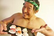 """まさに""""回転""""寿司! 360度回してお寿司を握るおもちゃにびっくり"""