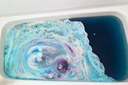 お風呂が宇宙に変身! LUSHの人気バスボムが美しすぎる…☆