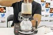 """日本唯一。""""電気式""""のサイフォンコーヒーメーカーがかなりの逸品"""