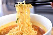 辛麺より辛い辛辛麺はどれだけ辛い? 宮崎のご当地ラーメン3製品を試す!