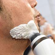 理容室のヒゲ剃りクリームを再現! パナソニック「濃密泡ブラシ」が気持ちよすぎ
