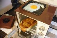 朝食はこれ1台! パンと同時に目玉焼きを作れる珍トースター