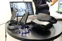 家庭用VR普及なるか? 富士通がWindows Mixed Reality対応ヘッドセット発表