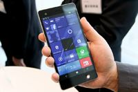 �uVAIO Phone Biz�v��Windows 10 Mobile�X�}�z�̖{���ɂȂ邩�H