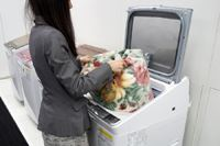"""予洗いもおまかせ! 10kgタイプも登場したシャープの""""新""""縦型洗濯乾燥機を見てきた"""