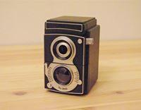 レトロカメラがモチーフの、手回し式「鉛筆削り機」