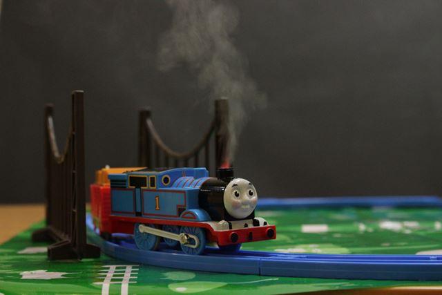 きかんしゃトーマス25周年記念「蒸気がシュッシュッ!トーマスセット」