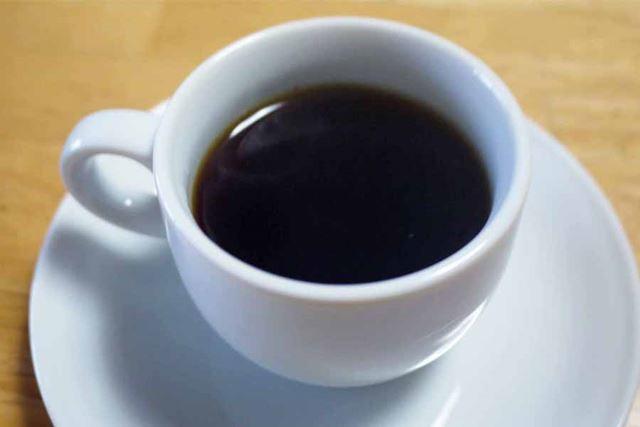 仕事の合間に飲むにも最適なちょっと酸味のあるコーヒーです
