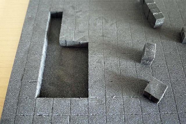指で簡単にブロックを切り出していきます