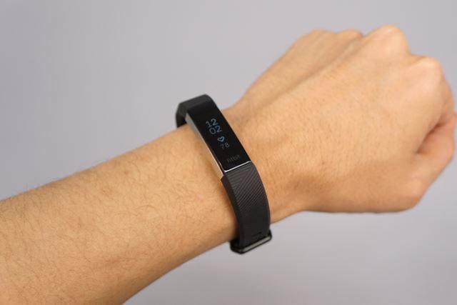 「Fitbit Alta HR」スタンダードモデルのブラックを試用