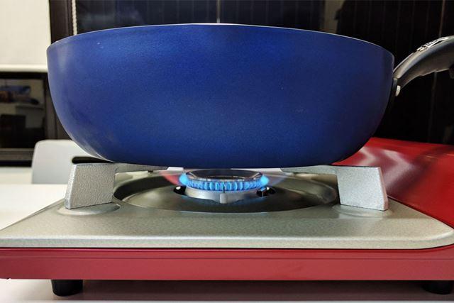 こちらはイワタニの一般的なカセットコンロ