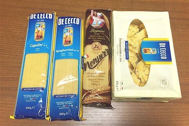 左から、「カッペリーニ」(0.9mm)、「スパゲッティーニ」(1.6mm)、「リングイネ」、「フェットチーネ」です