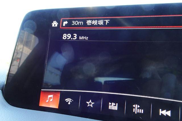 サウンドレーサーとクルマのFMラジオ受信は簡単。問題は、エンジン回転と同調するかどうか