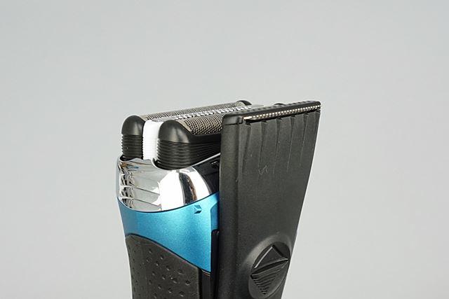 もみあげやヒゲを整える「キワゾリ刃」を搭載。刃を上に向けてスライドさせるだけで剃れる