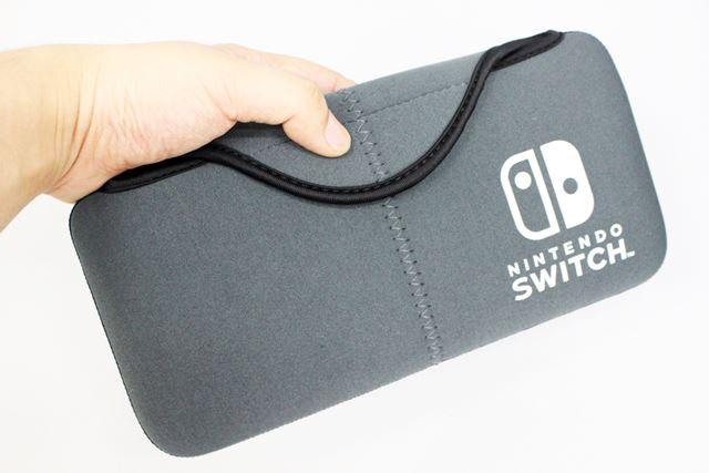 サイズが非常にコンパクトで、小さなかばんにも入ります。普段のちょっとした持ち運びには最適だと思います