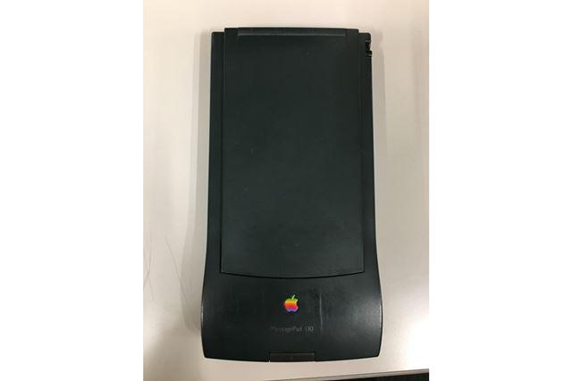 """""""PDAの元祖""""と呼ばれる、アップルの「Newton(MessagePad)」もイベントで展示される予定だ"""