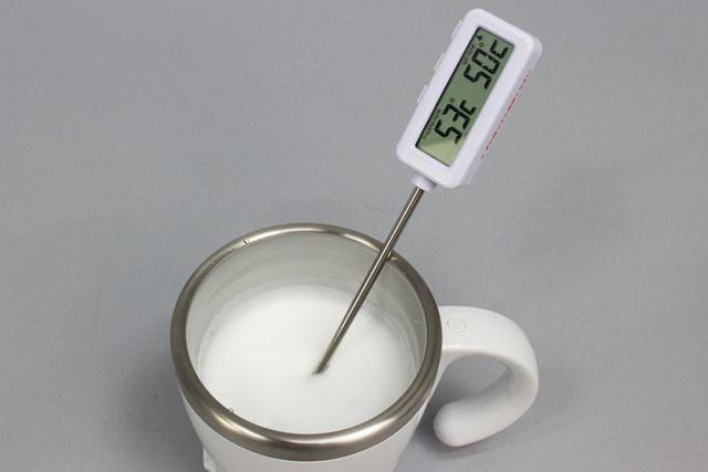 なお、ミルクフォームの温度は53℃。少々ぬるめといった印象です