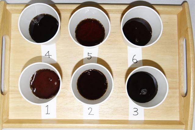 1〜6のコーラを上から撮影
