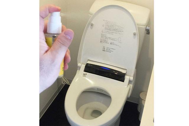 使うときはトイレの中でシュッとひと吹きするだけ