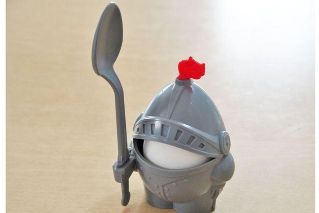 実際にタマゴを入れてみました。とりあえず殻が付いたままのゆでたまごです