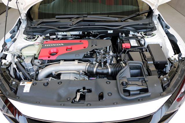 タイプRのエンジンは2.0Lターボで、出力320psを発揮する