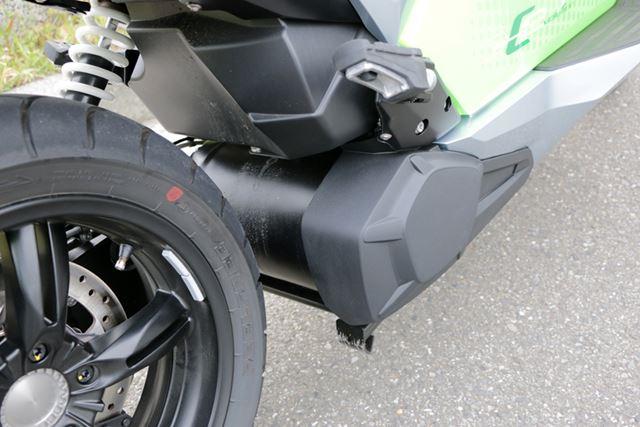 モーターは後輪の前側に搭載されている(円筒形の部分)