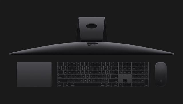キーボードやマウスも黒色に統一されるようだ