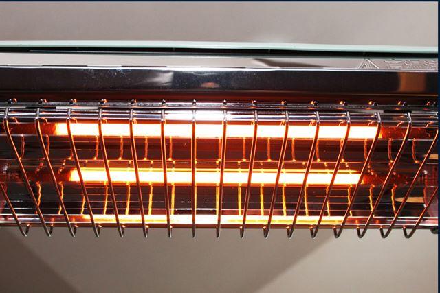同社の暖房器具やトースターなどにも採用されている遠赤グラファイトは、鉄の10倍以上の熱伝導率を有します